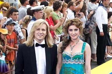 """Анастасия Макеева на 21 кинофестивале """"Кинотавр"""" с женихом."""