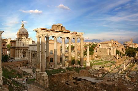 Кутюрный показ дома Fendi пройдет в Риме