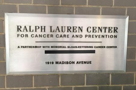 Ральф Лорен продает свой центр помощи онкобольным