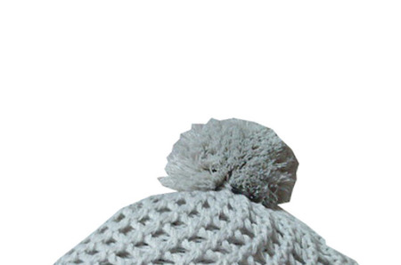 Вязаные шапки в шоу-руме Fashion File.